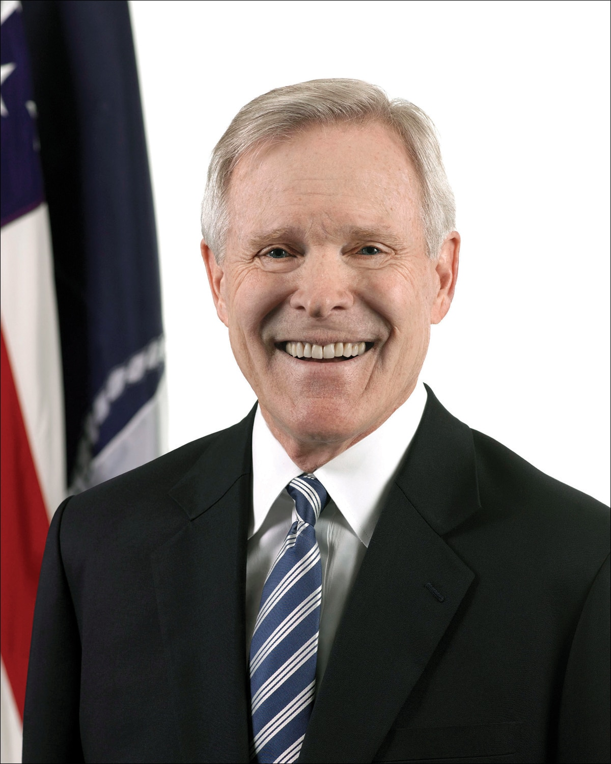 Honors Spring Convocation to Welcome Secretary Ray Mabus